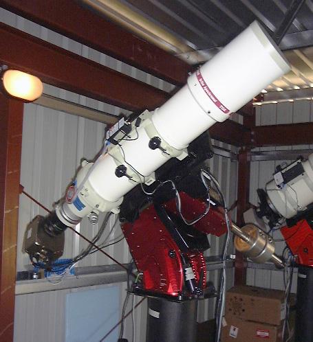 Teleskope in Moorook (D96), South Australia.  Takahashi TOA-150 f/7.3 Refraktor with STL-6303